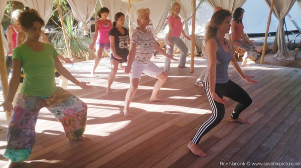 TheFeel ZenmaX energizing qigong intermezzo at Afkes magic Yoga retreat 3