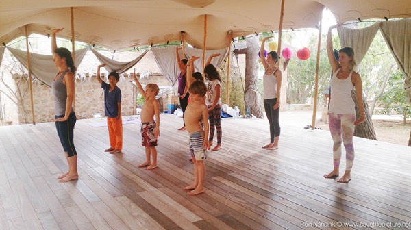 Zenmax energizing baduanjin qigong intermezzos at Afkes magic parents and kids yoga retreat Ibiza 3