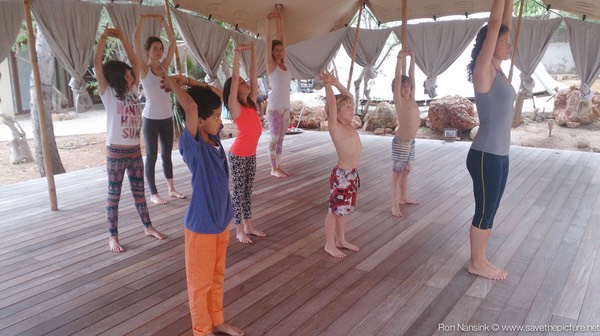 Zenmax energizing baduanjin qigong intermezzos at Afkes magic parents and kids yoga retreat Ibiza