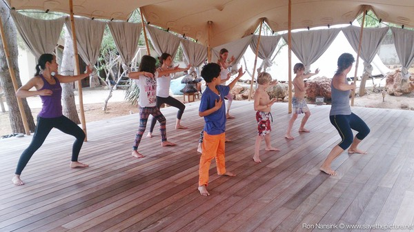 Zenmax energizing baduanjin qigong intermezzos at Afkes magic parents and kids yoga retreat Ibiza 2
