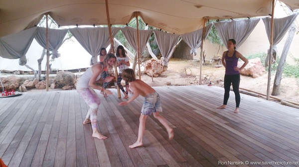 Zenmax energizing intermezzos at Afkes magic parents and kids yoga retreat Ibiza 3