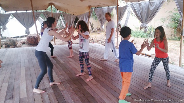 Zenmax energizing intermezzos at Afkes magic parents and kids yoga retreat Ibiza