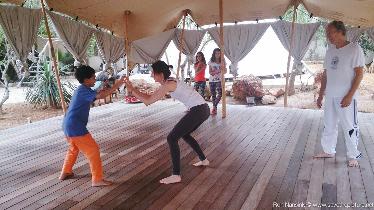 Zenmax energizing intermezzos at Afkes magic parents and kids yoga retreat Ibiza 4